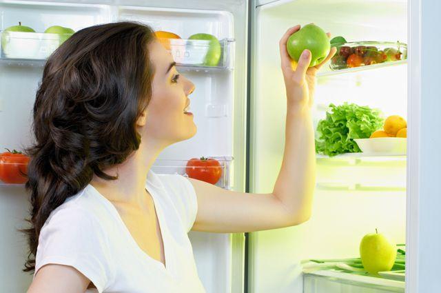 Как предотвратить появление запаха в холодильнике