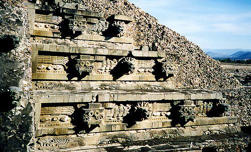 Пирамида Кетцалькоатля